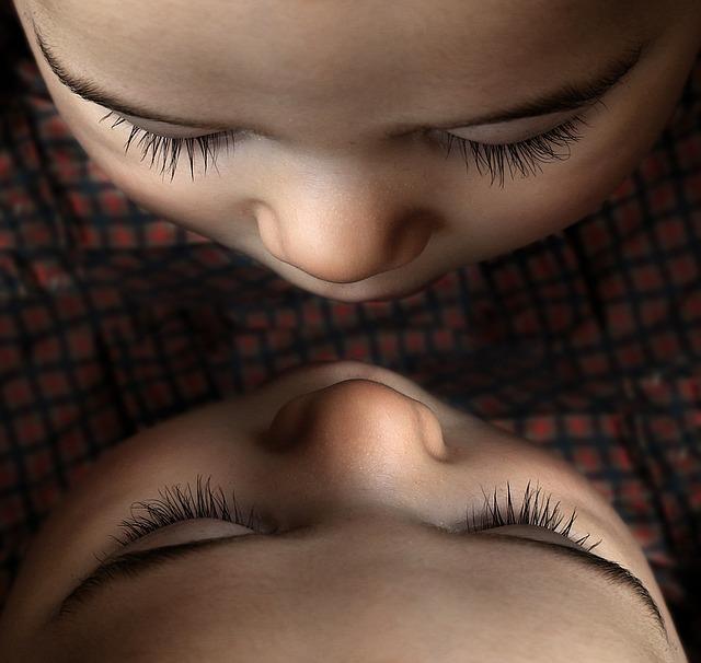 индивидуальность близнеца