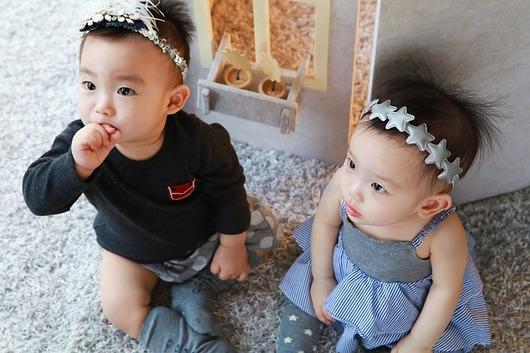 любознательность близнецов