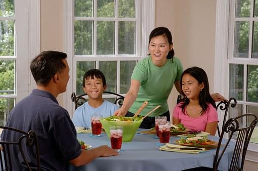 счастливая семья - пример для подражания